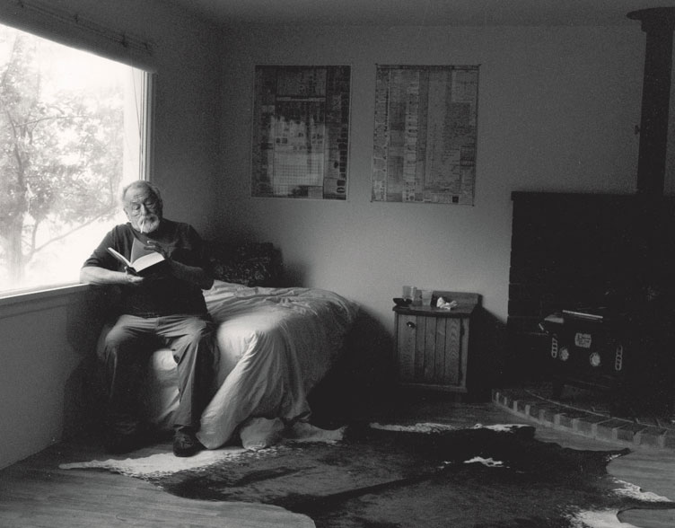 Harrison-in-his-Livingston-Montana-writing-cabin-Photo-Kurt-Markus